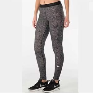 NIKE PRO Dri Fit Leggings Xs Black White Polka Dot